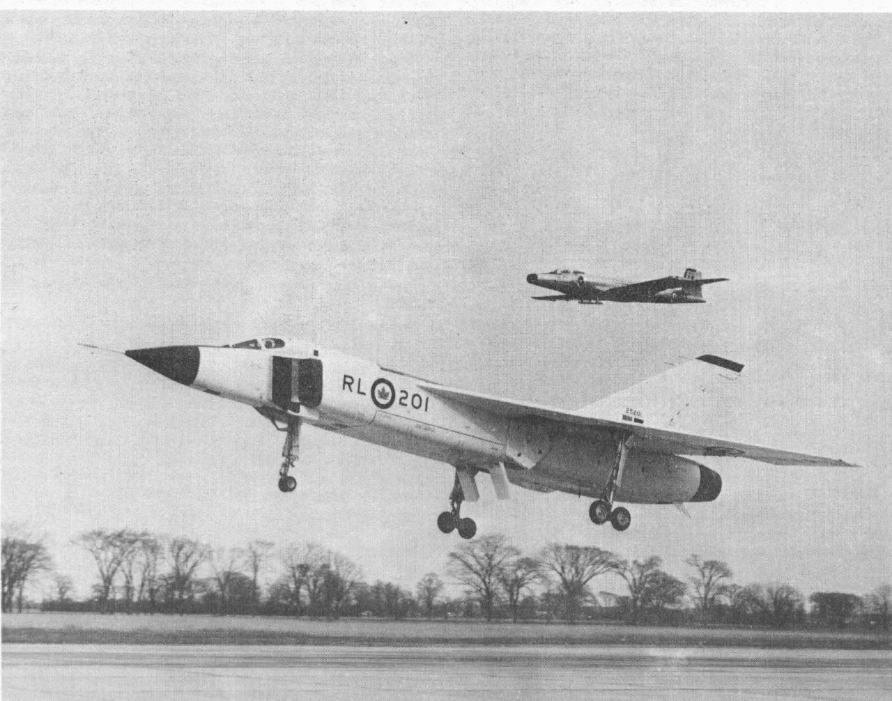 avro arrow rl landing rcaf sabre fighter chase plane  avro arrow rl 201 landing rcaf sabre fighter chase plane advanced aircraft arrow planes and aircraft